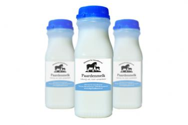 Paardenmelk in handzame flesjes van 250ml.